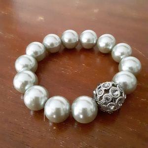 Faux pearl stretch bracelet